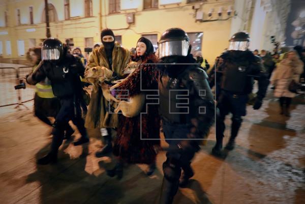 Más de 1.400 detenidos en Rusia en las protestas por la sentencia a Navalni