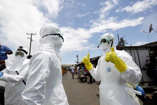 La OMS alerta a países africanos por brotes de ébola en RD Congo y Guinea