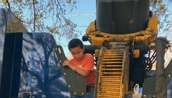 Niño se escondió en carro de basura y por poco muere aplastado
