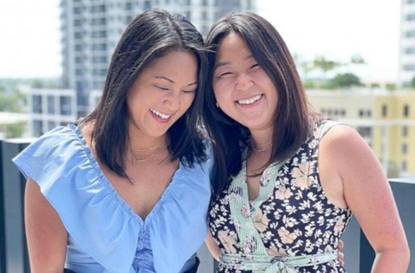 Gemelas separadas al nacer y adoptadas por diferentes familias se reúnen 36 años después