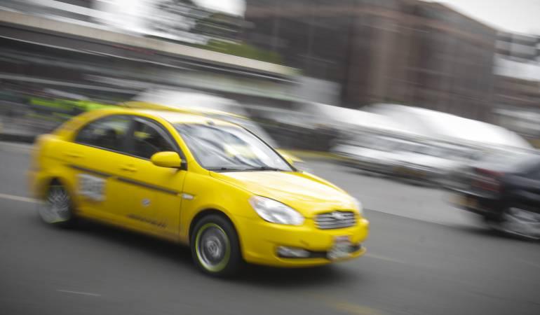 Desde hoy nuevo pico y placa para los taxis en esta capital