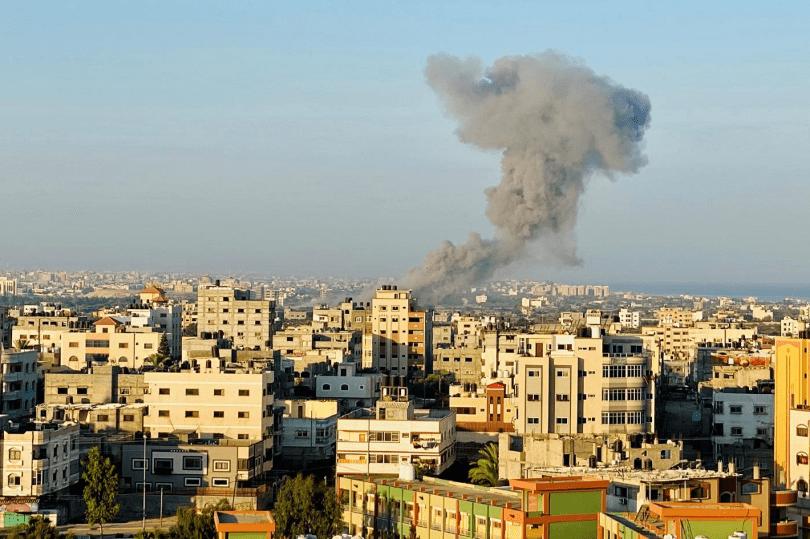 Aviación israelí bombardea objetivos de Hamás en Gaza tras disparo de cohete