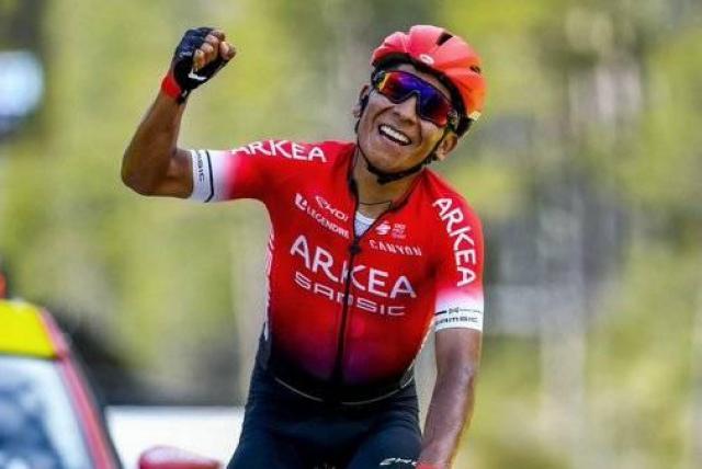 Nairo Quintana empezó fino en la Vuelta a Asturias; ganó sobrado e inflando pecho
