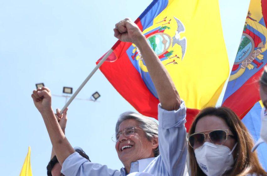 Guillermo Lasso se declara vencedor y Arauz reconoce su triunfo