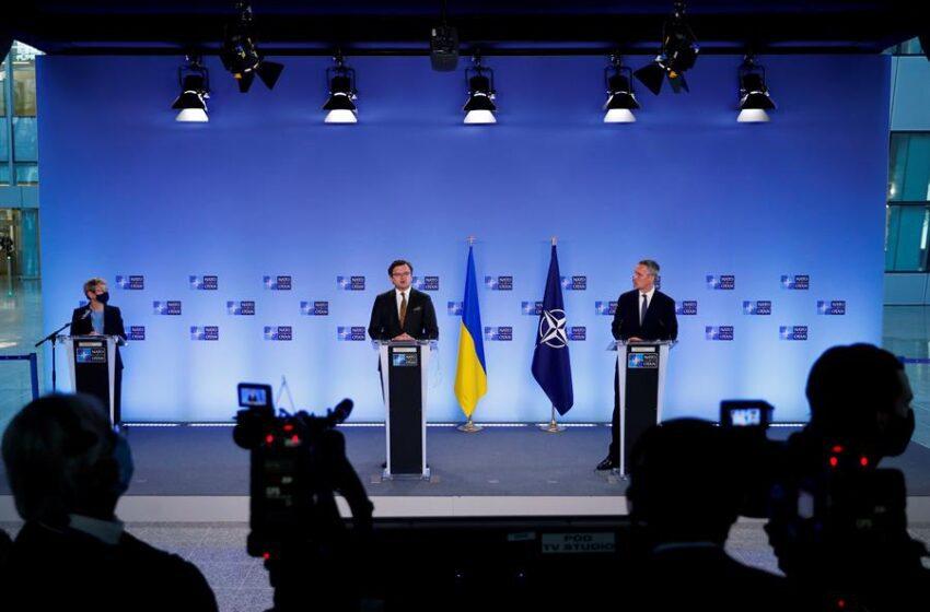 La OTAN exige a Rusia detener su escalada militar alrededor de Ucrania