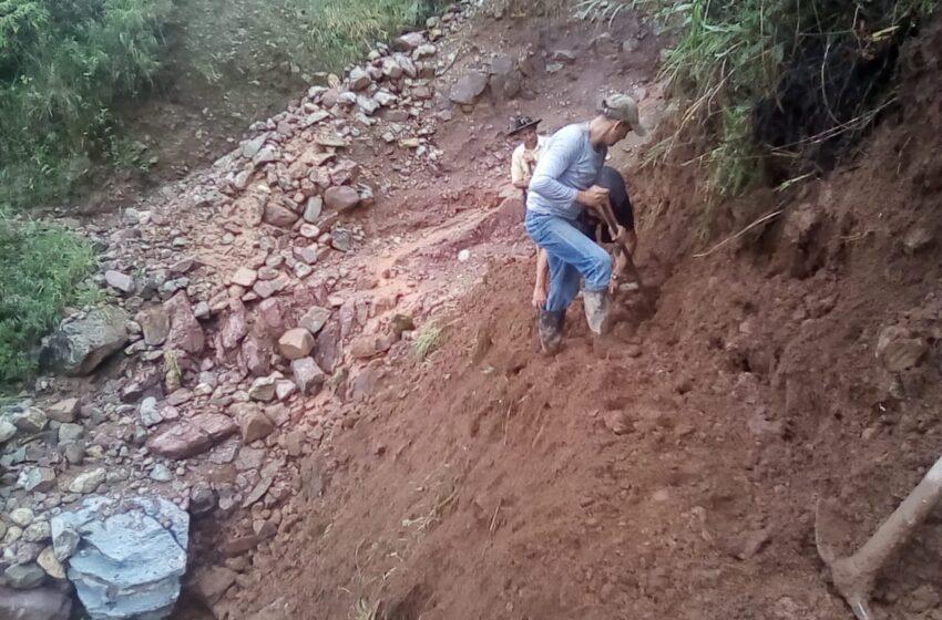 Derrumbes en la vía a Lourdes, vía que conduce a Monfort