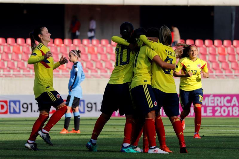 Catalina Usme marca cuatro en la goleada de Colombia (0-4) sobre Ecuador