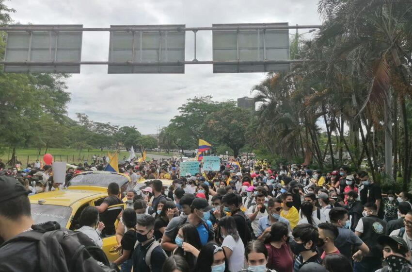 Prosiguen las manifestaciones contra el gobierno nacional y anuncian que el paro se intensificará este miércoles