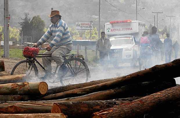 Empieza el desabastecimiento de alimentos y combustible en Guaviare por los bloqueos en la vía a Bogotá