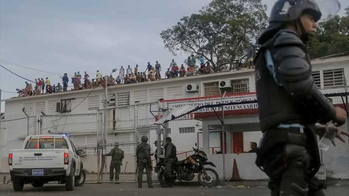 Cincuenta  jóvenes se fugan de una cárcel de menores en Caracas, según ONG