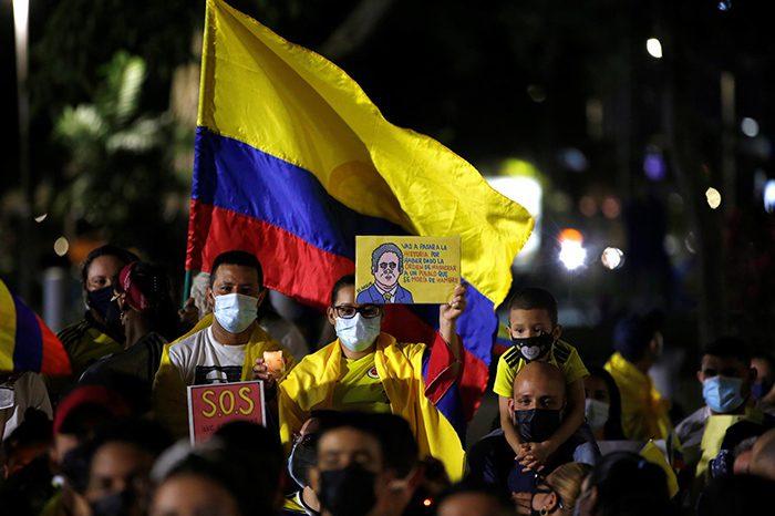 Los colombianos protestan mientras Duque arranca un diálogo sin manifestantes