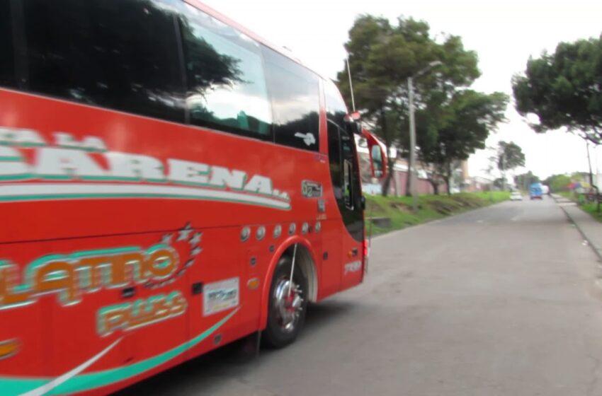 Vándalos asaltaron un Bus de la Empresa Flota la Macarena anoche en Bogotá