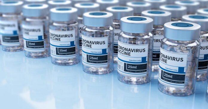 EEUU compra 500 millones de vacunas para la distribución global, según medios