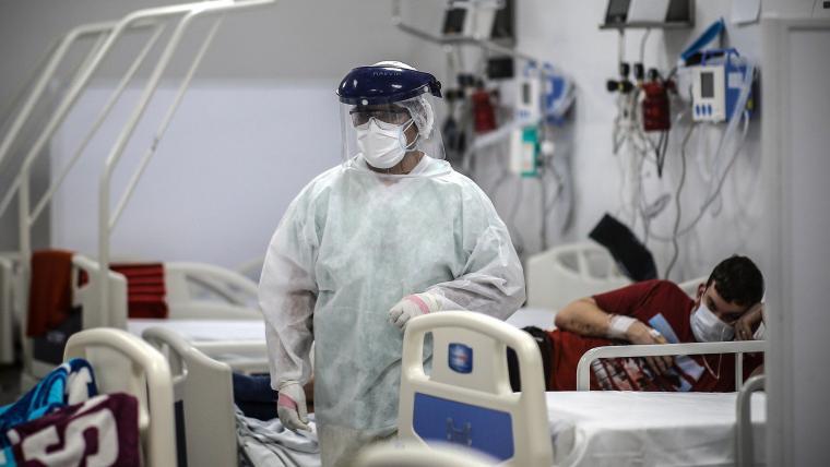 Colombia roza las 600 muertes diarias por covid con cuarto récord consecutivo