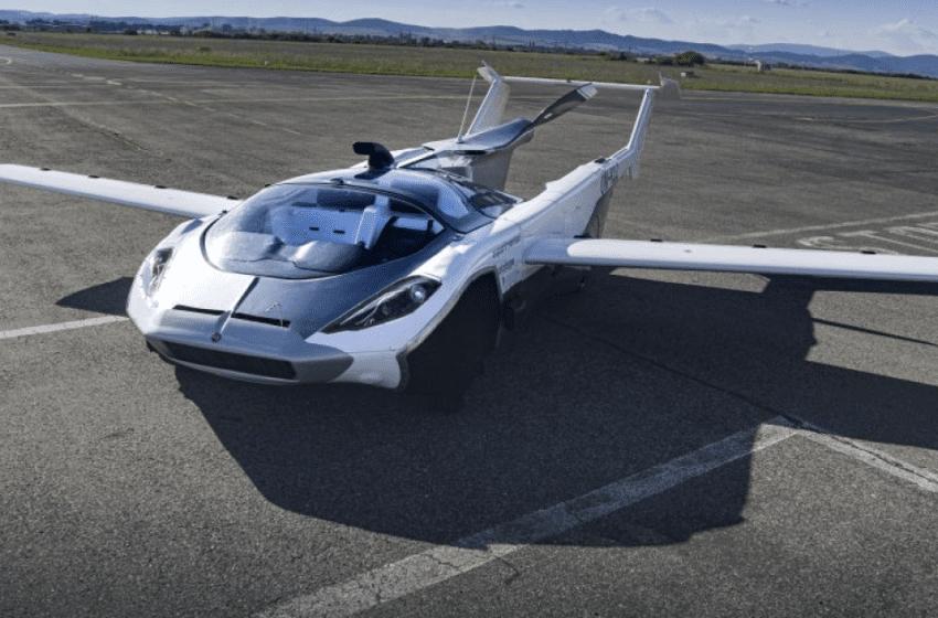 Un coche con alas vuela 80 km y después circula por el centro de Bratislava