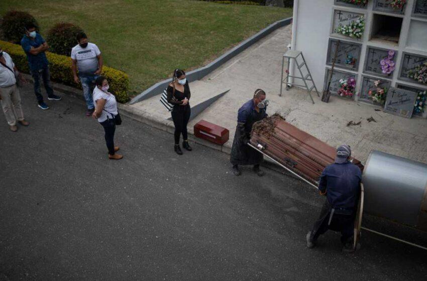 Colombia supera la barrera de las 120.000 muertes por la covid-19