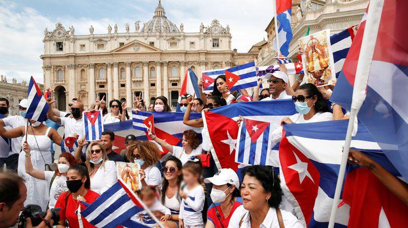El papa llama al «diálogo y la solidaridad» en Cuba