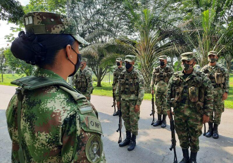Los militares  no solo luchan  contra delincuentes, también atienden el trabajo social, señala el General Beltrán