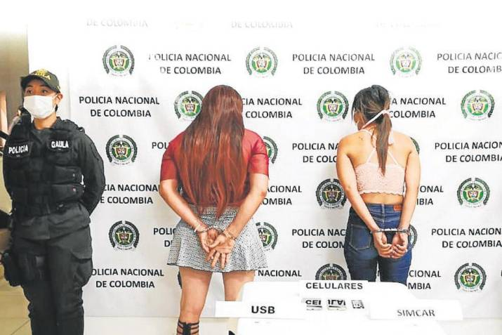 Dos mujeres con detención domiciliaria y una tercera en libertad señaladas de escopolaminar y hurtar