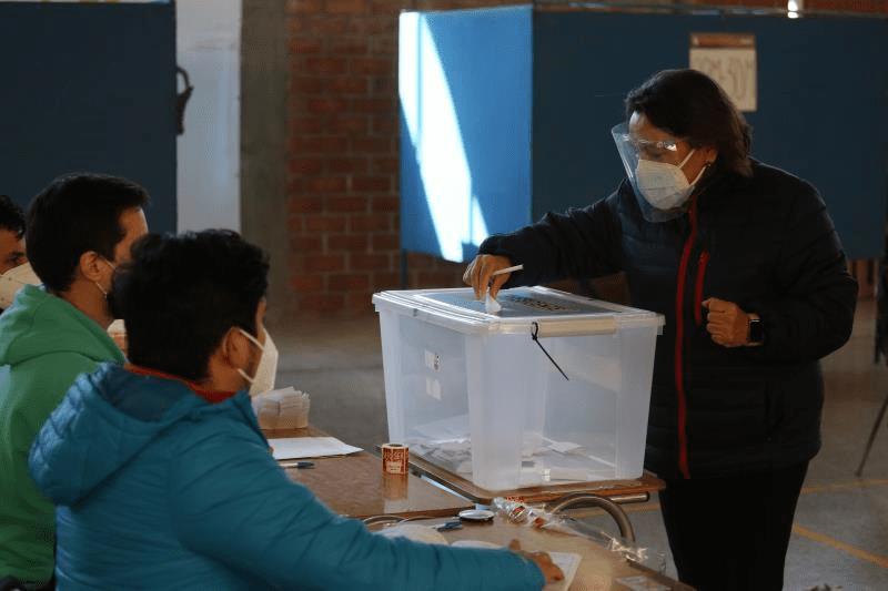 Chile rechaza la confrontación y elige candidatos presidenciales dialogantes