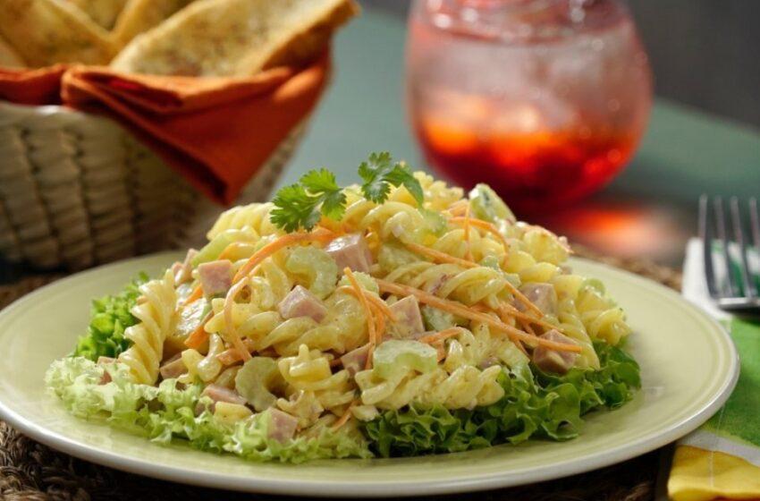 Prueba esta divina ensalada de pasta hawaiana