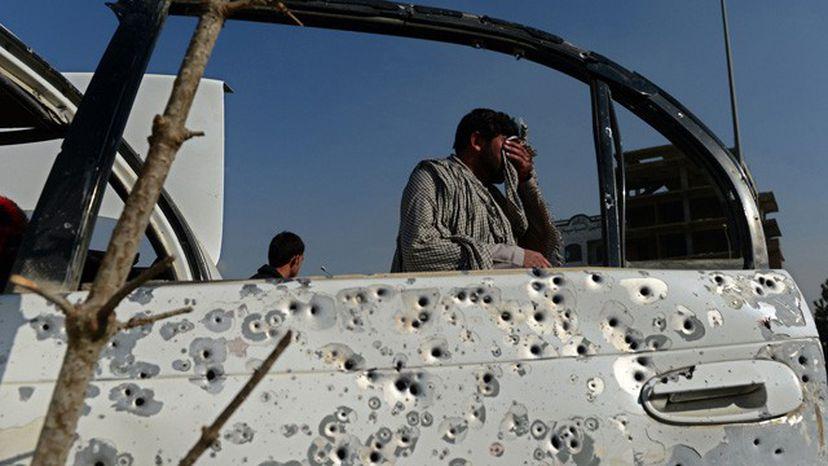 Los civiles, las principales víctimas de la ofensiva talibán en Afganistán. Cuarenta muertos