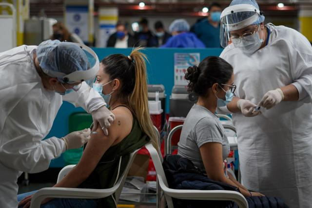 120.998 los muertos por coronavirus en Colombia