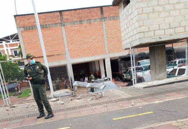 Ataque con explosivos deja dos policías muertos en Antioquia. Atentado en Cúcuta