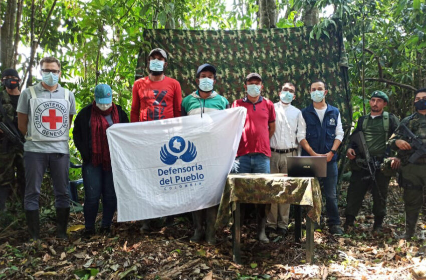 Liberan a cuatro civiles secuestrados en Colombia por disidencias de FARC