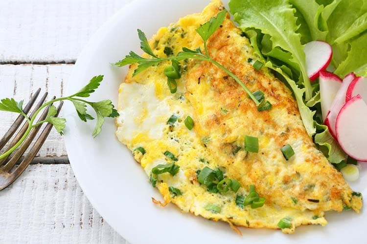 Omelette simple con queso y cebollín ¡Divina!