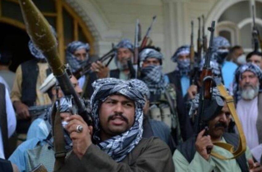 Afganistán vive intensos combates con los talibanes en al menos 11 provincias