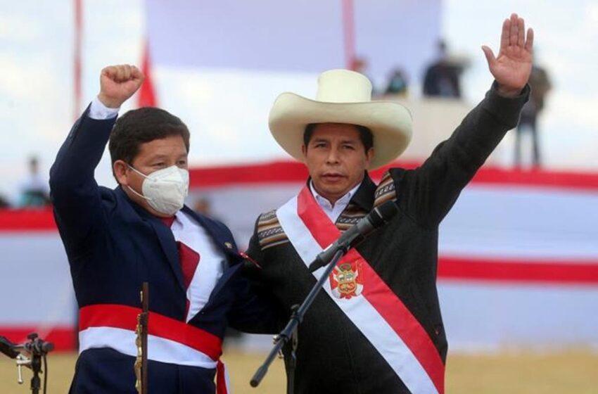 Líderes de derecha reclaman salida del primer ministro de Perú