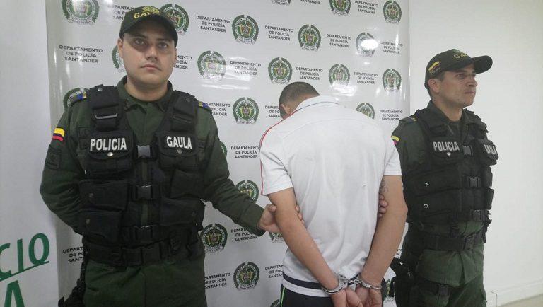 La policía capturó a un hombre por extorsión a un ganadero