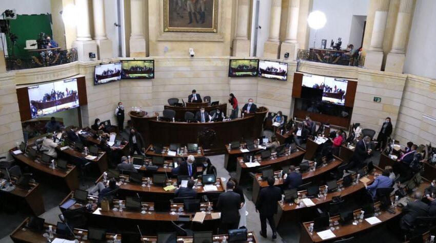 Con protesta de la oposición el Congreso  aprobó la nueva reforma tributaria