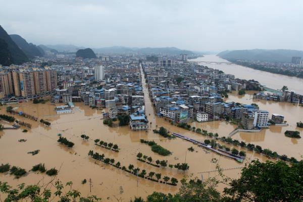 Un millón de afectados y 15 muertos por inundaciones en el centro de China