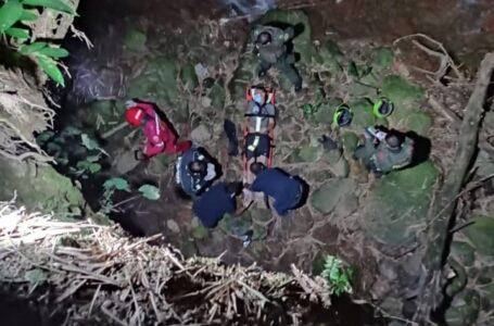 Fracturas en sus extremidades sufrió un hombre al lanzarse por un barranco en el caño de Llano Lindo