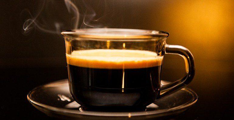 El café tiene muchos beneficios, pero ¿Cuánto es demasiado?